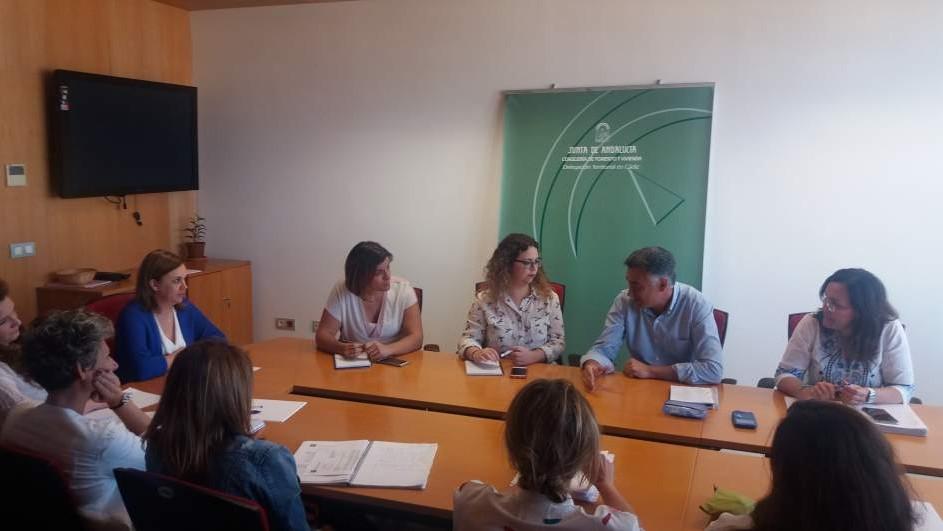 Fomento y Colegio de Trabajo Social de Cádiz establecen líneas de colaboración en materia de intervención en vivienda.