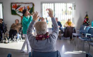 Andalucía elimina las plazas de fin de semana y festivos para mayores y discapacitados de los centros de día.