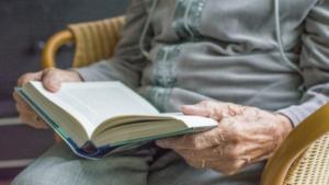 Lecturas en tiempos de confinamiento para los residentes.